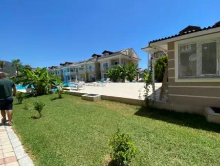 Dalaman Karaçalı Mahallesinde Satılık Havuzlu Daire